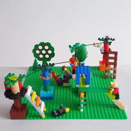 Onze kids bucketlist voor deze herfst: leuke herfstvakantie activiteiten, bijvoorbeeld LEGO bouwen