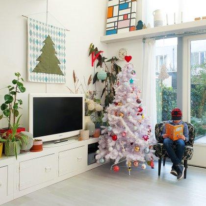 Kerst poster zelf maken: DIY kerstboom wanddecoratie op stoffen doek