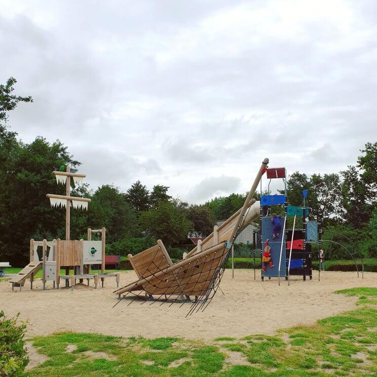 Landal Port Greve: kindvriendelijk vakantiepark in Zeeland vlakbij bij zee, op Schouwen Duiveland - speeltuin aan de andere kant van het park