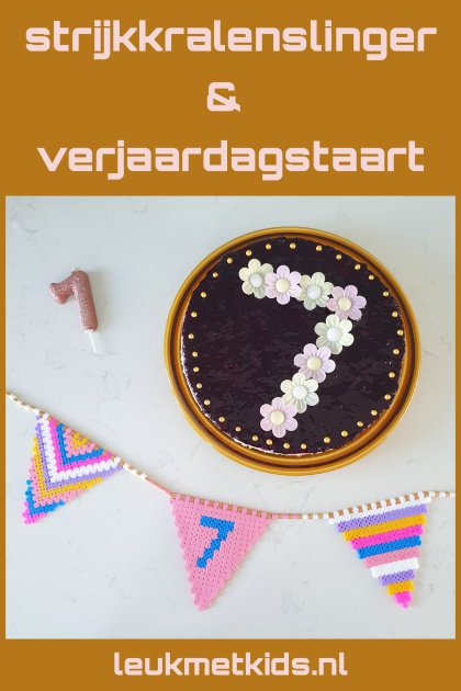 Vlaggetjes slinger van strijkkralen en recept voor verjaardagstaart