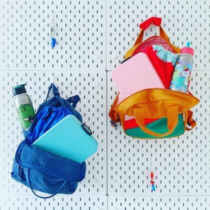 De Leuke Update #40 | kids ideeën, musthaves, uitjes | terug naar school. Deze platte broodtrommels zijn handig als er veel in een rugzak moet passen, bijvoorbeeld een gymtas of schoolboeken. Wij gebruiken ze op gymdagen deze Mepal Take a Break Flat