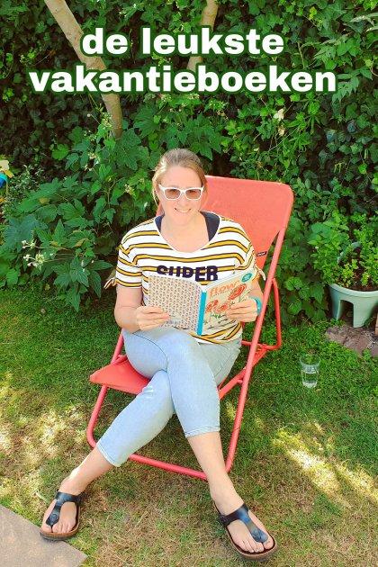 De leukste vakantieboeken en doeboeken voor het hele gezin. In de zomer liggen er altijd toffe vakantieboeken en doeboeken voor kinderen in de winkel. Ik zocht daarom de leukste zomerboeken uit voor alle leeftijden: peuter, kleuter, basisschoolkinderen, tieners en voor jezelf.