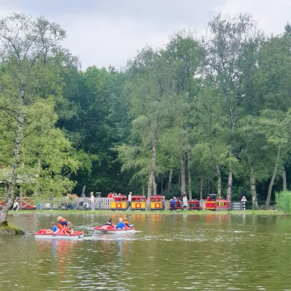 Oud Valkeveen review: sfeervolle kruising tussen pretpark en speeltuin
