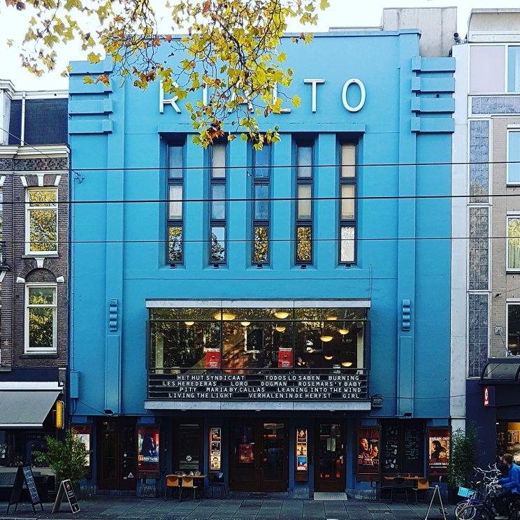 Bioscoop Rialto is een oud filmtheater met veel films voor kinderen. In de vakantie vaak een speciaal activiteitenprogramma. Rialto zit aan de Ceintuurbaan.
