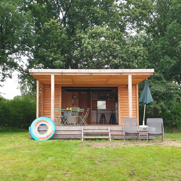 Chalet Toronto op camping Huttopia de Roos
