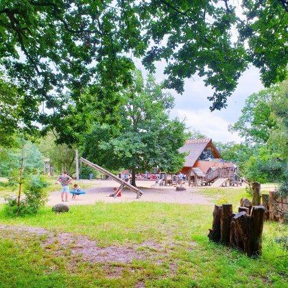 Kindvriendelijke restaurants en hotels: met speeltuin en ander leuks. Restaurant Heidezicht in Bussum in het Gooi.