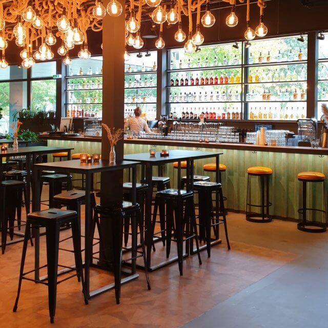 Kanteen25 Amsterdam: duurzaam restaurant met stoere speelruimte op Marineterrein, leuk voor kinderen en tieners.