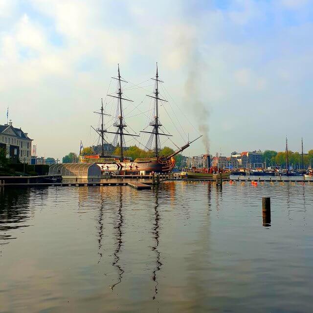 Het scheepvaartmuseum in Amsterdam: onze kinderen waren nog niet in deVOC-schip Amsterdam geweest, dus daar gingen we als eerste heen.